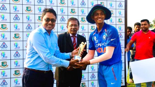 Yashasvi Jaiswal receiving the Man of the Match Award
