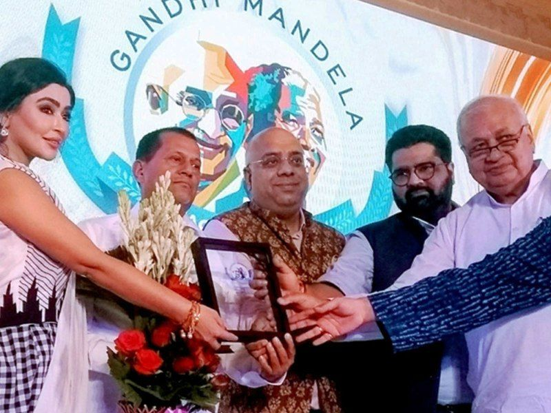 Achyuta Samanta Receiving Gandhi Mandela Award
