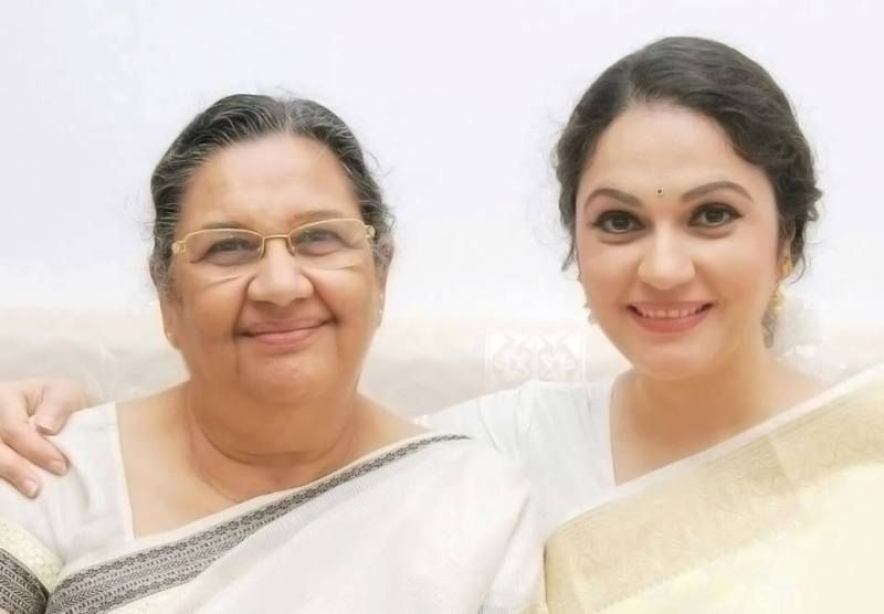 Gracy Singh with Her Mother