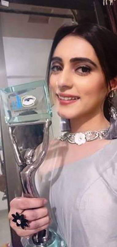 Shipsy Rana Posing with Her Award