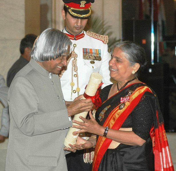 Sudha Murthy Receiving Padma Shri