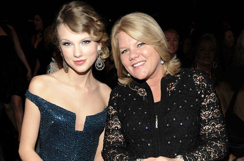 Taylor Swift with Her Mother