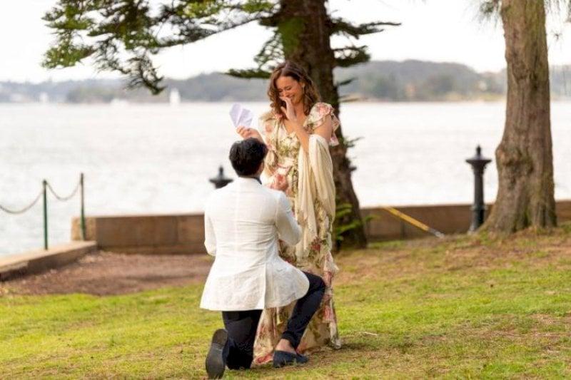 Tushaan Bhindi proposing Evelyn Sharma