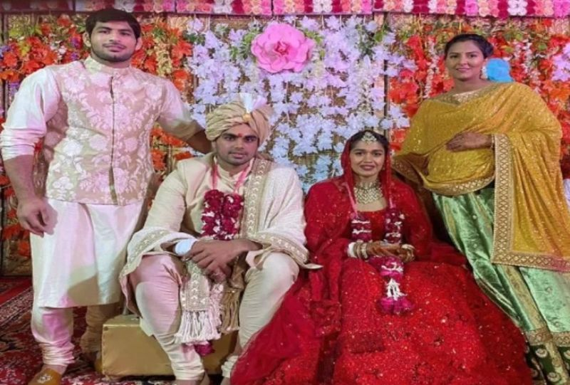 Babita Kumari and Vivek Suhag on their wedding day