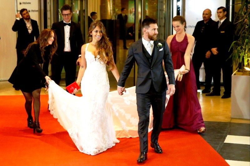 Lionel Messi and Antonella Roccuzzo on their wedding day