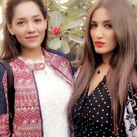 Mathira with her sister, Rose