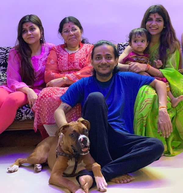 Tanishk Bagchi with his Sister, Mother, Wife, and Daughter