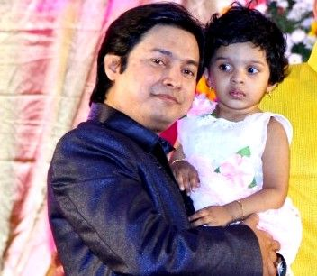 Arya Rohit's husband and daughter