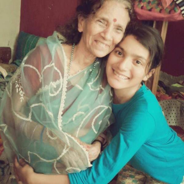 Meena Rana's Daughter, Surbhi and her Mother