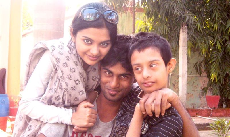 Solanki Roy with her brothers