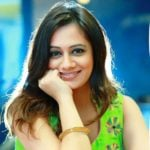 Spruha Joshi (Marathi Actor) Age, Husband, Family, Biography & More