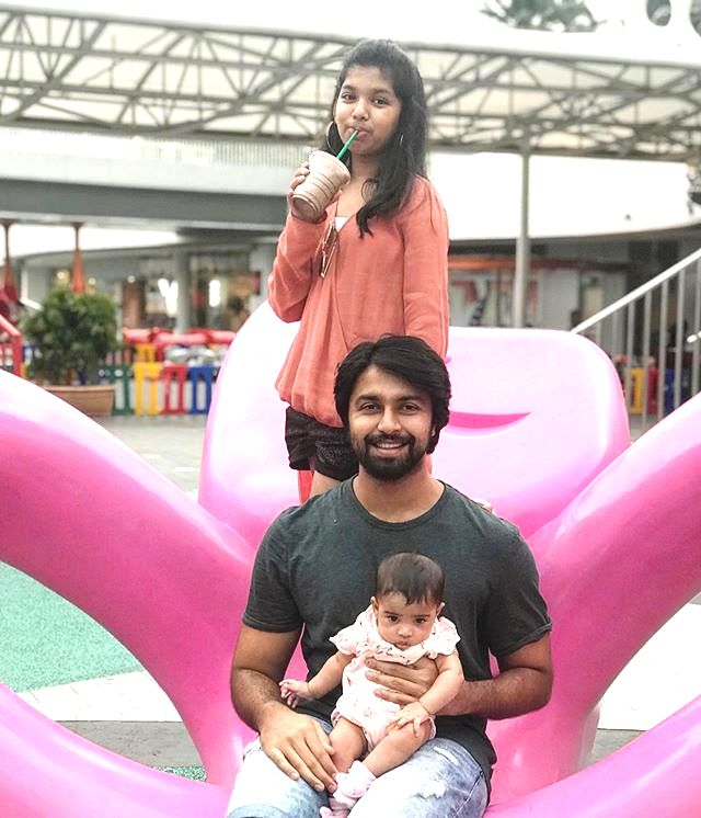 Kalyaan Dhev with his daughters