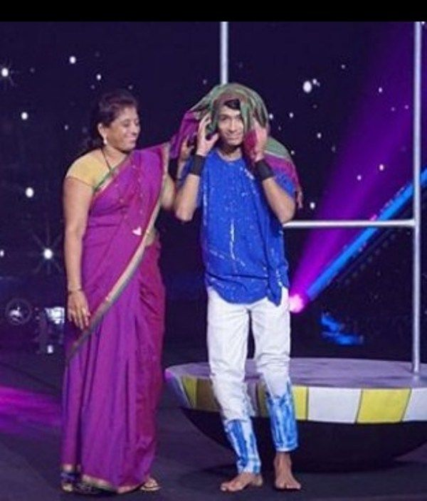 Rupesh Bane Dancing with his Mother