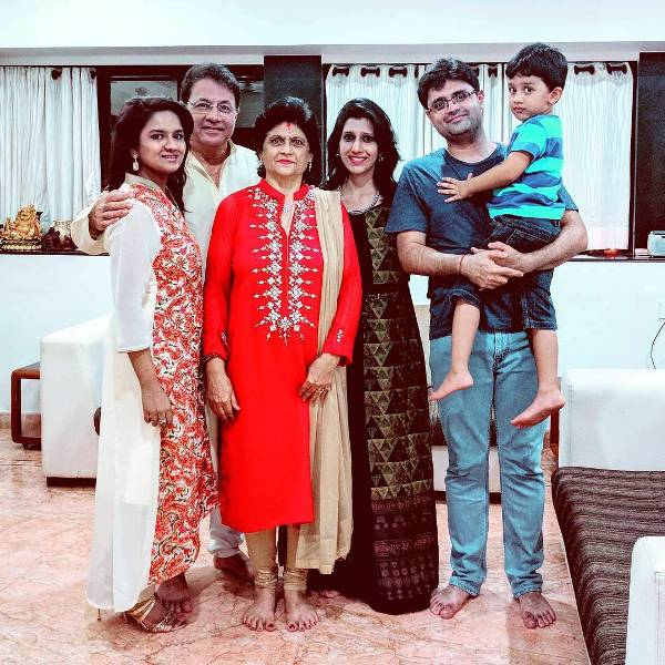 Arun Govil's family picture