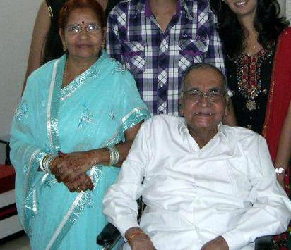 Sunil Lahri parents