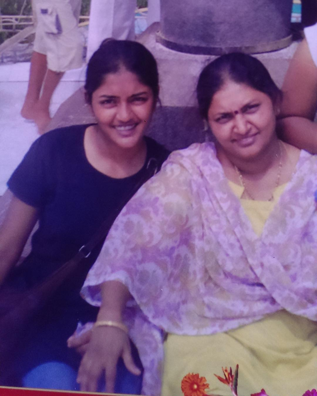 Eesha Rebba with her mother