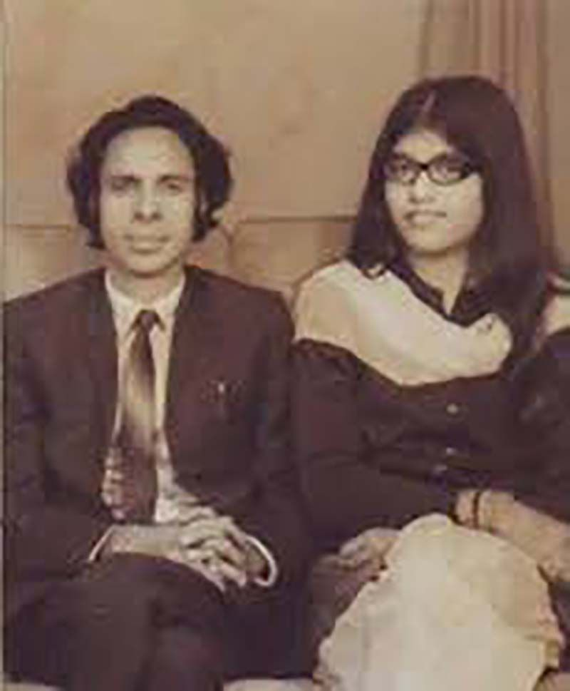 Jaun Elia with his Wife