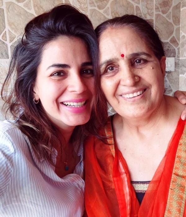 Kirti Kulhari With Her Mother