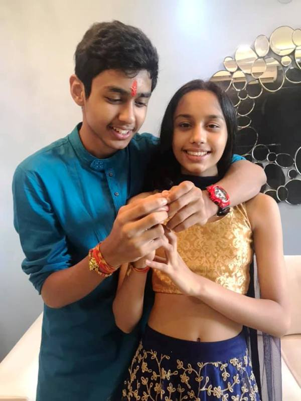 Rudhraksh Jaiswal With His Sister