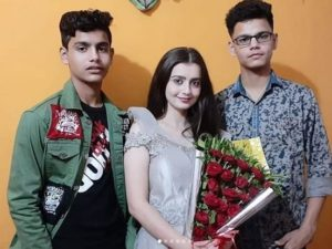 Chahat Pandey and her brothers