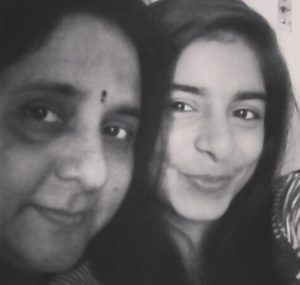 Siddhi Mahajankatti with her mother