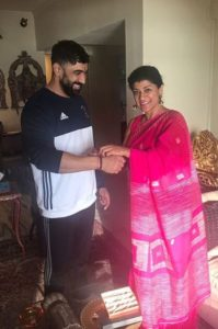 Amit Sadh with his sister