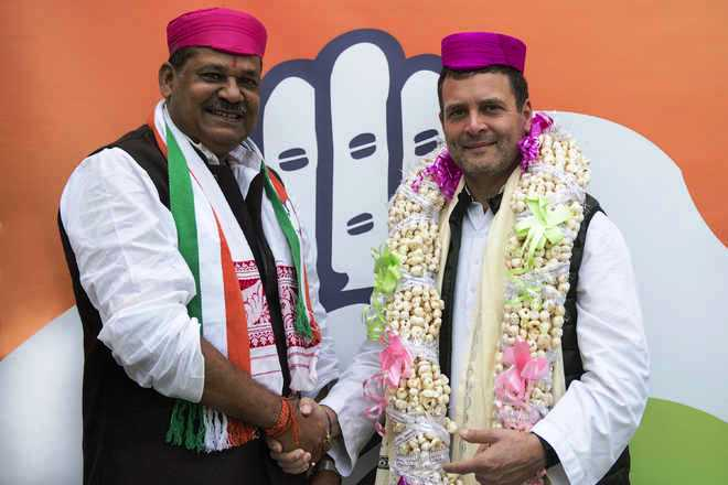Congress president Rahul Gandhi and Kirti Azad