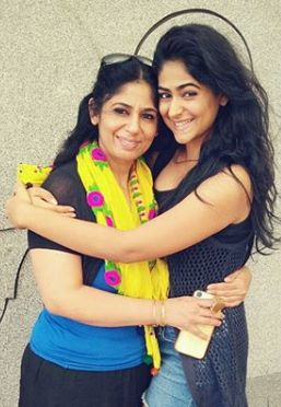 Palak Lalwani with her mother