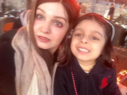 Raziyah Sultana with mother Mushaal Mullick