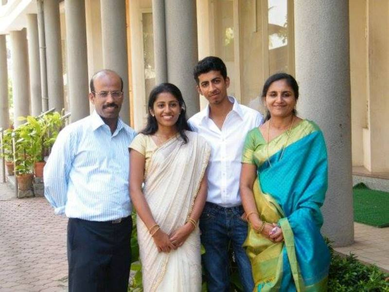 Roshan Mathew With His Family