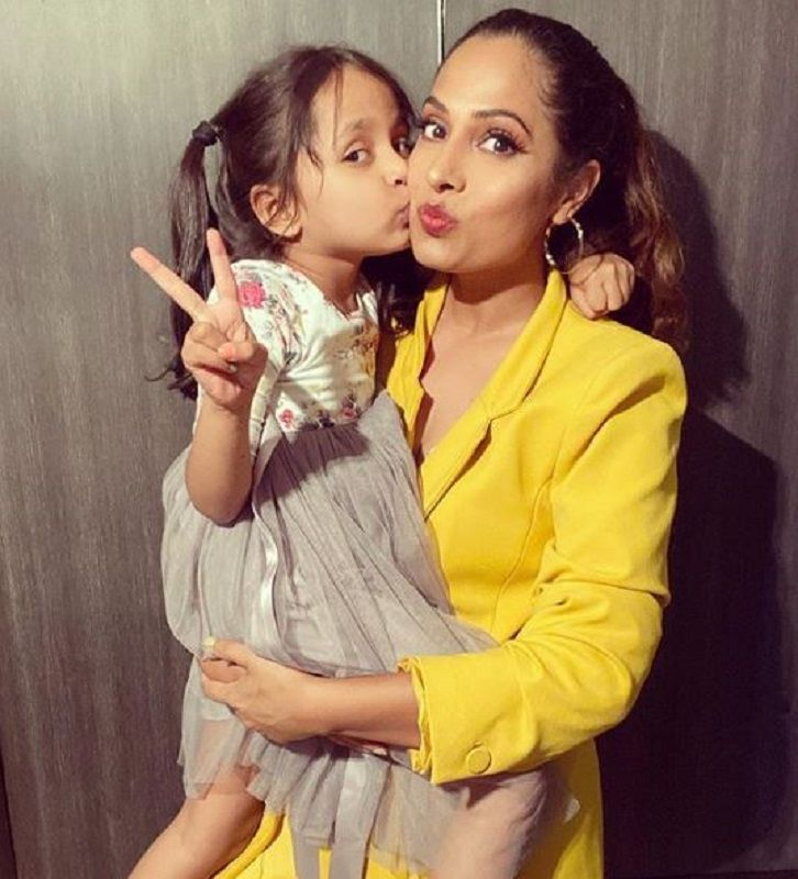 Shruti Arjun Anand With Her Daughter