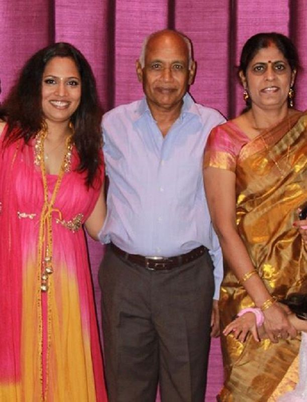 Shruti Arjun Anand With Her Parents