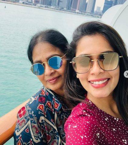 Keerthi Shanthanu with her mother