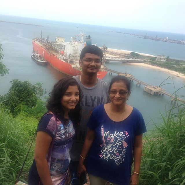 Lahari Sanju with her mother and brother