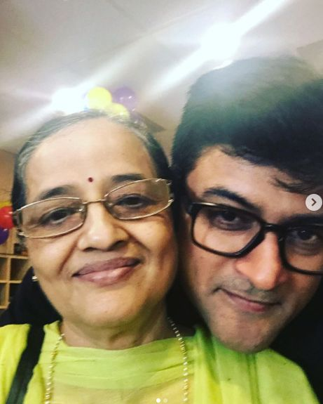 Manav Gohil and his mother