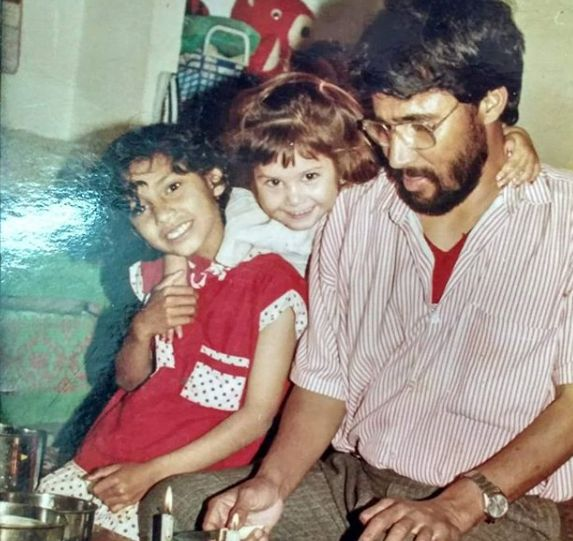 Tanya Purohit with her father and sister