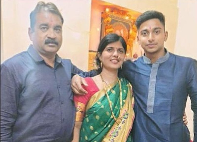 Darshan with his parents, Girish and Sapna Nalkande