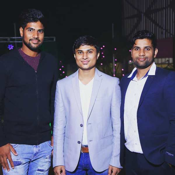 Lalit Yadav(extreme left) with his brother, Tarun Yadav(extreme right)