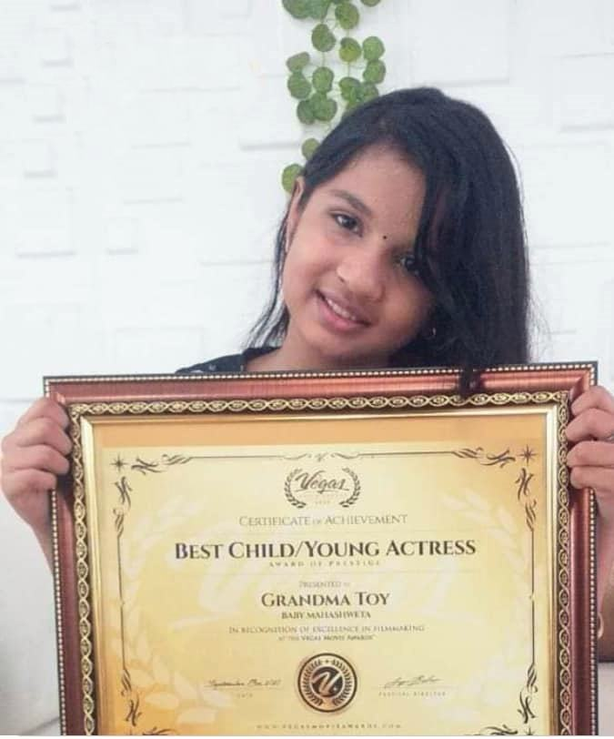 Mahaswetha with the Best Child Actress Award given by Las Vegas Film Critics Society