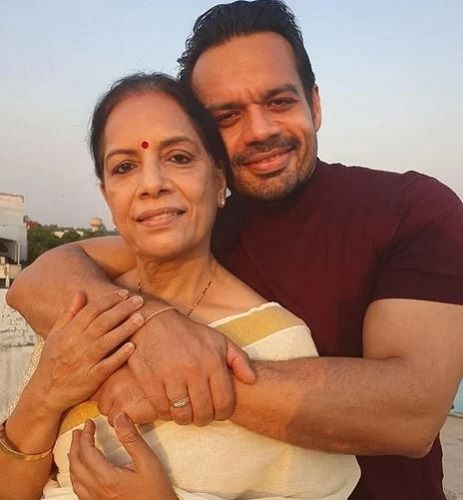 Gaurav Taneja with his Mother