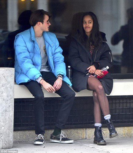 Rory Farquharson smoking with Malia Obama