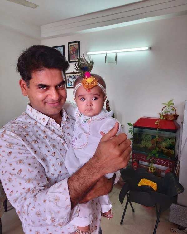 Saurabh Dwivedi with his daughter, Gaura