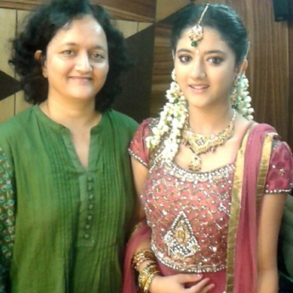 Shriya Sharma with her mother