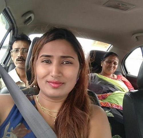 Swathi Naidu with her parents