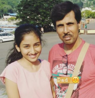 Anchal Sahu with her father