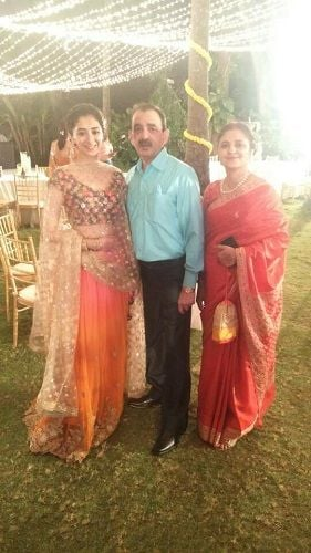 Kritika Avasthi with her parents