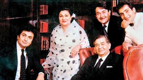 Rajiv Kapoor with his parents and brothers