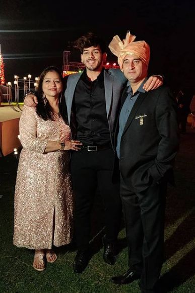 Vyomesh Koul with his parents