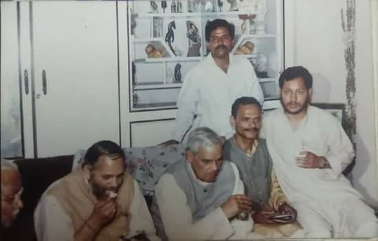 A picture from around 1987 when atal bihari vajpayee had come for Garhwal tour and Tirath, who was then an RSS pracharak, was overseeing the tour