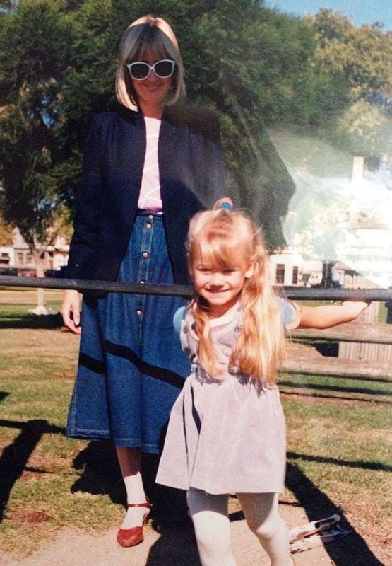 Childhood picture of Yvonne Strahovski